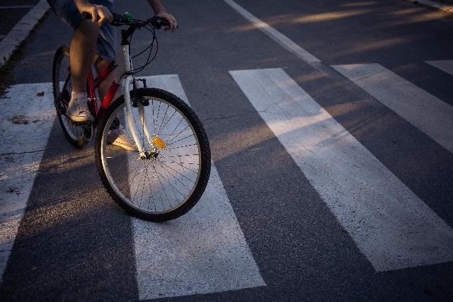 自転車事故と弱者救済の論理のイメージ